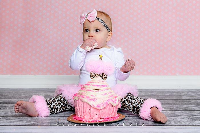 Yr7•056-365•2246•Zoey v. Cake