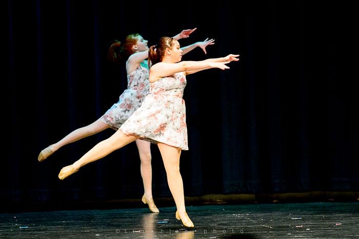 Yr7•125-366•2299•Dancers