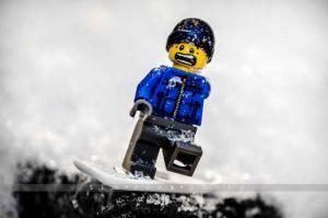 88-121227_SnowBoardLegoBoy_335.jpg