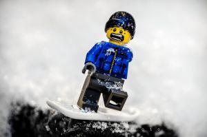 c87-121227_SnowBoardLegoBoy_335.jpg